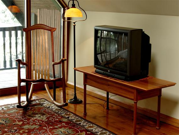 Kasapi TV table